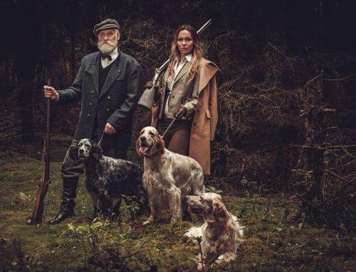 Tweed: Die zeitlose Charme des schottischen Stoffes