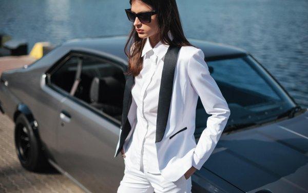 weißer damen smoking, blazer mit schwarzem revers